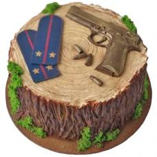 Торт с погонами и шоколадным пистолетом