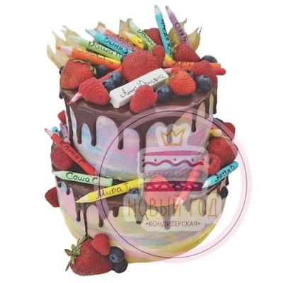 Двухъярусный торт с ягодами на выпускной