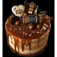 Закажи торт с бутылочкой виски и получи пирожные в подарок!