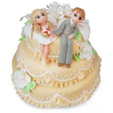 Торт с фигурками молодожен