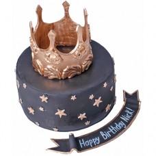Черный торт с золотой короной