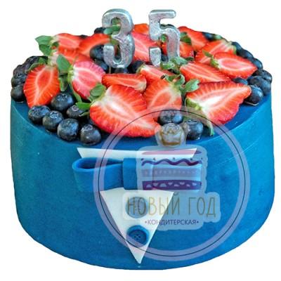 Торт с ягодами на 35 лет для мужчины