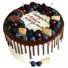 Торт с ягодами для мальчика