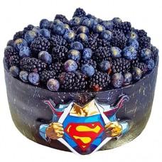 Торт с Суперменом и ягодами