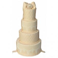 Бежевый свадебный торт с бантом