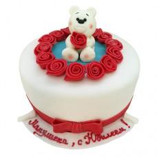 Торт с мишкой и розами