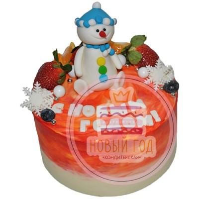 Новогодний торт с ягодами и снеговиком
