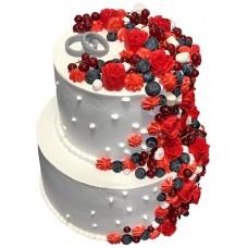 Свадебный торт «Розы и ягоды»