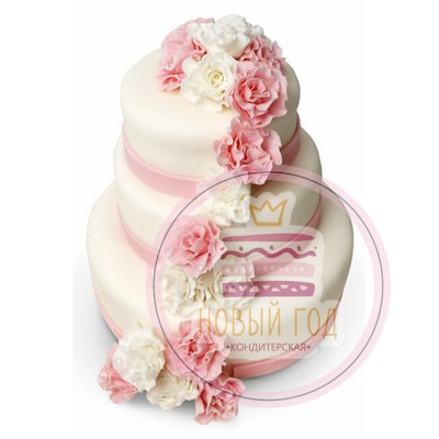 Торт с пионовидными розами