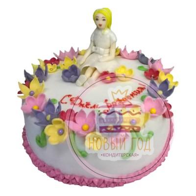 Торт с фигуркой девочки