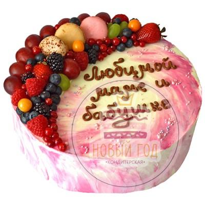 Кремовый торт с макаронс и ягодами