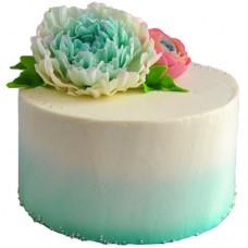 Белый торт с пионами