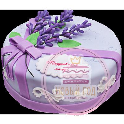 Сиреневый торт с ветвями лаванды