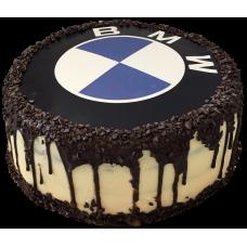 Торт с шоколадными подтеками и логотипом BMW