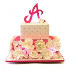 Торт с белыми цветами
