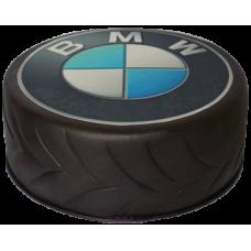 Торт в виде колеса с логотипом BMW