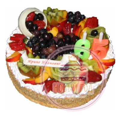Торт на юбилей с фруктами и ягодами