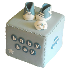 Торт в виде голубого кубика
