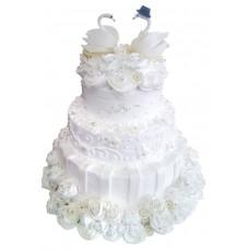 Торт с лебедями и кремовыми розами