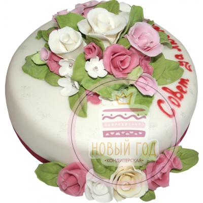 Торт с цветочной композицией