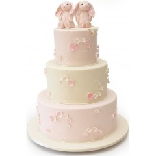 Торт с фигурками зайчат