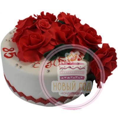 Торт с красными розами на 85 лет